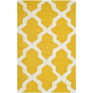 Safavieh Handmade Moroccan Cambridge Gold/ Ivory Wool Rug (2'6 x 4')