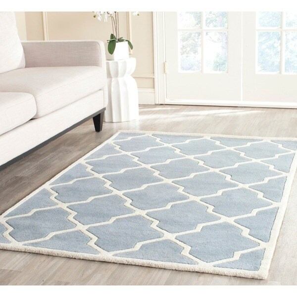 Safavieh Handmade Moroccan Chatham Blue/ Ivory Wool Rug (5' x 8')