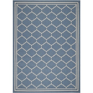 Safavieh Indoor/ Outdoor Courtyard Bordered Blue/ Beige Rug (5'3'' x 7'7'')
