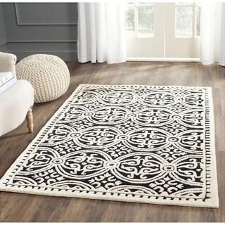 Safavieh Handmade Moroccan Cambridge Black/ Ivory Wool Rug (4' Square)