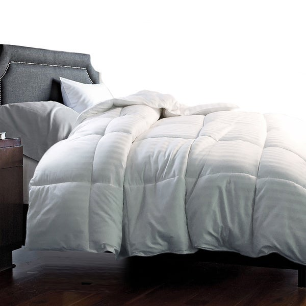 Hotel Grand 350 Thread Count Damask White Goose Down Blend Comforter (As Is Item)