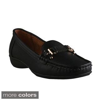 Refresh Women's 'Goldie-01' Moc-toe Comfort Loafers