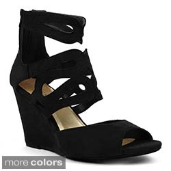 Toi et Moi Women's 'Elisha-02' Laser-cut Wedge Sandals