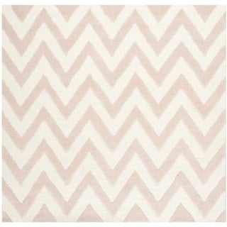 Safavieh Handmade Moroccan Cambridge Light Pink/ Ivory Wool Rug (8' Square)