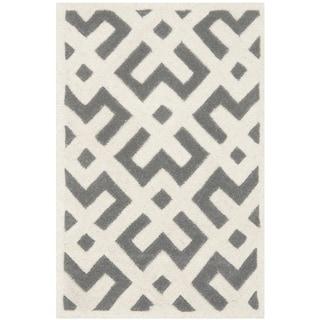 Safavieh Handmade Moroccan Chatham Dark Grey/ Ivory Wool Rug with Durable Backing (2'3 x 5')