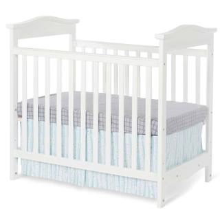 Foundations The Princeton Clear Choice Teething Rail Mini Crib in White