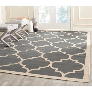 Safavieh Indoor/ Outdoor Courtyard Geometric-pattern Anthracite/ Beige Rug (4' Square)