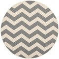 Safavieh Indoor/ Outdoor Courtyard Gray/ Beige Geometric Rug (4' Round)