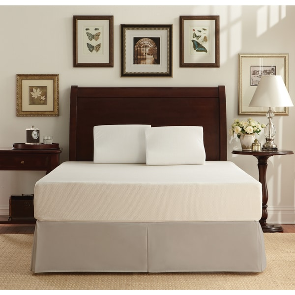 WHITE by Sarah Peyton 10-inch Traditional Plush Support Queen-size Memory Foam Mattress and Pillow Set