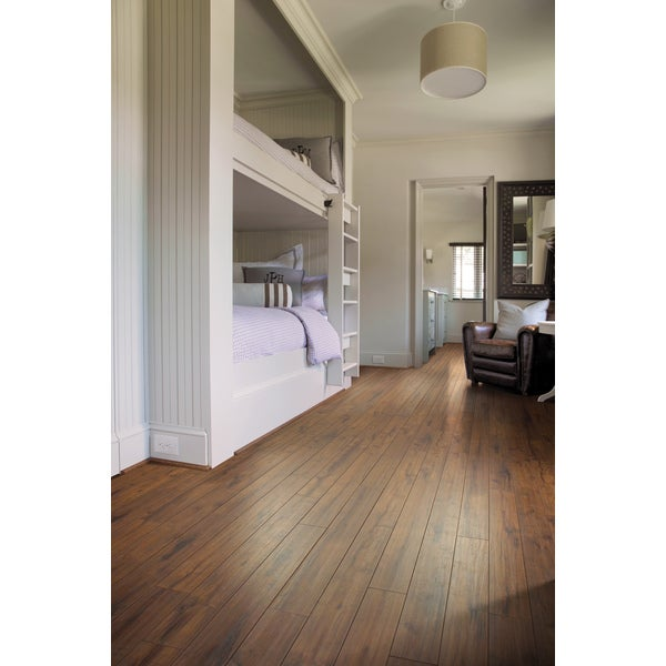 Shaw Industries Timberline Textured Expressions 12mm Laminate Flooring (17.99 Sq Ft)