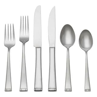 Reed & Barton Wingate 82-piece Stainless Steel Flatware Set