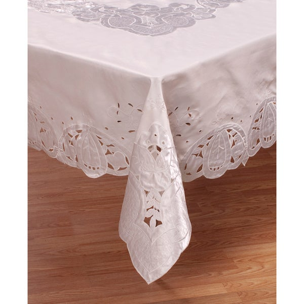 White 90-inch Round Tablecloth