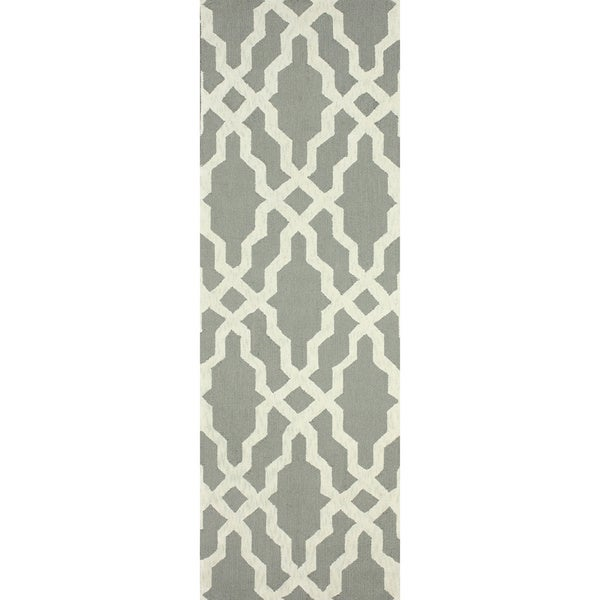 nuLOOM Hand-hooked Grey/ Off-white Wool Runner Rug (2'6x8')