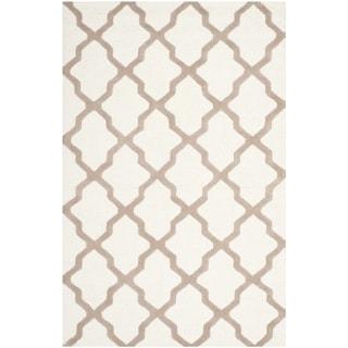 Safavieh Handmade Moroccan Cambridge Ivory/ Beige Wool Rug (10' x 14')