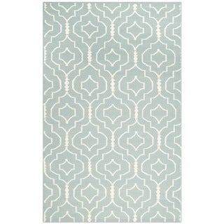 Safavieh Hand-woven Moroccan Dhurrie Light Blue/ Ivory Contemporary Wool Rug (4' x 6')
