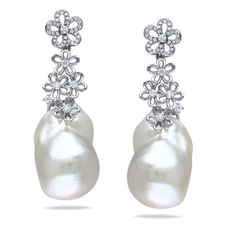 Miadora 14k White Gold Pearl and 1/2ct TDW Diamond Earrings (G-H, SI1-SI2) (14.5-15 mm)