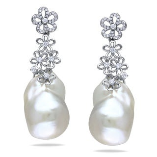 Miadora Signature Collection 14k White Gold Cultured Freshwater Pearl/ 1/2ct TDW Diamond Earrings (G-H, SI1-SI2) (14.5-1