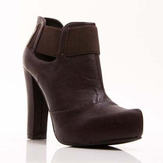 Gomax Women's 'Dayna 10' Dark Brown Pointed Toe Ankle Booties