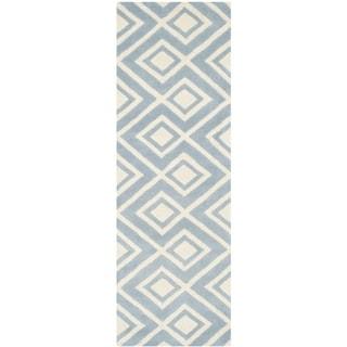 Safavieh Handmade Moroccan Chatham Blue/ Ivory Wool Geometric-pattern Rug (2'3 x 7')