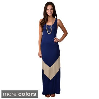 Journee Collection Junior's Sleeveless Scoop Neck Maxi Dress