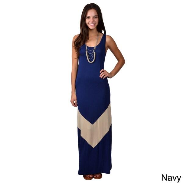Journee Collection Junior's Sleeveless Scoop Neck Maxi Dress