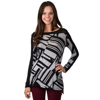 Journee Collection Junior's Printed Long Sleeve Scoop Neck Top