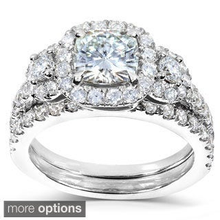 14k Gold Cushion-cut Moissanite and 1ct TDW Diamond Bridal Ring Set (G-H, I1-I2)