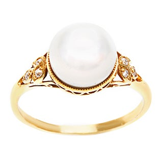 18k Yellow Gold Natural FW Pearl and 1/10ct TDW Diamond Estate Ring (H-I, SI1-SI2)