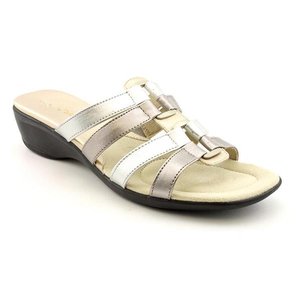 Easy Street Women's 'Summer' Faux Leather Sandals - Narrow (Size 10 )