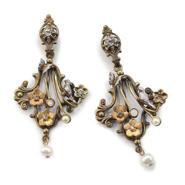 Sweet Romance Pearl French Trellis Earrings