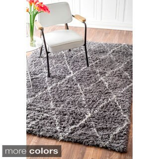nuLOOM Handmade Moroccan Trellis Wool Shag Rug (5' x 7')