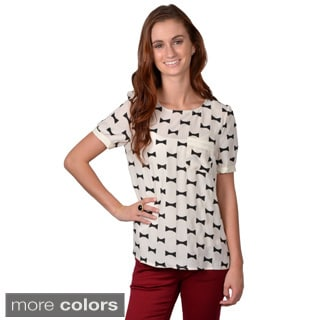 Journee Collection Women's Bow Print Button Back Top