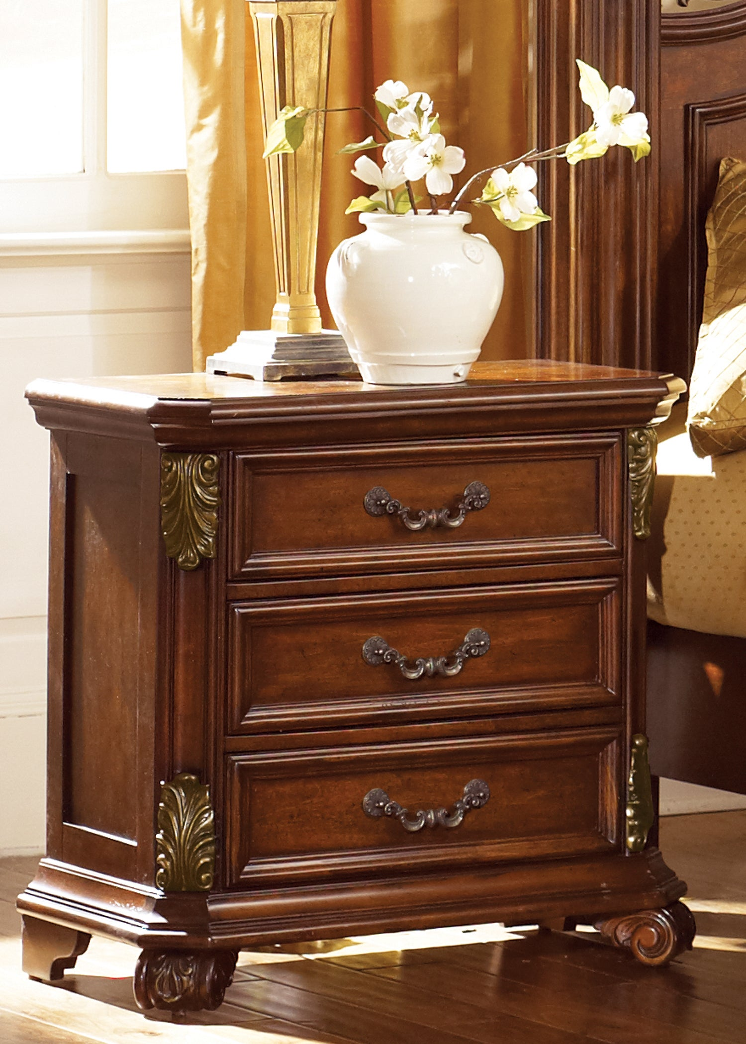 Liberty Messina Estates 3-drawer Nightstand