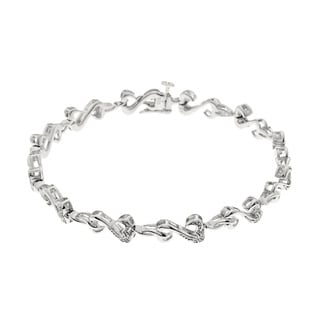 Sterling Silver 1/8ct TDW Diamond Heart Bracelet