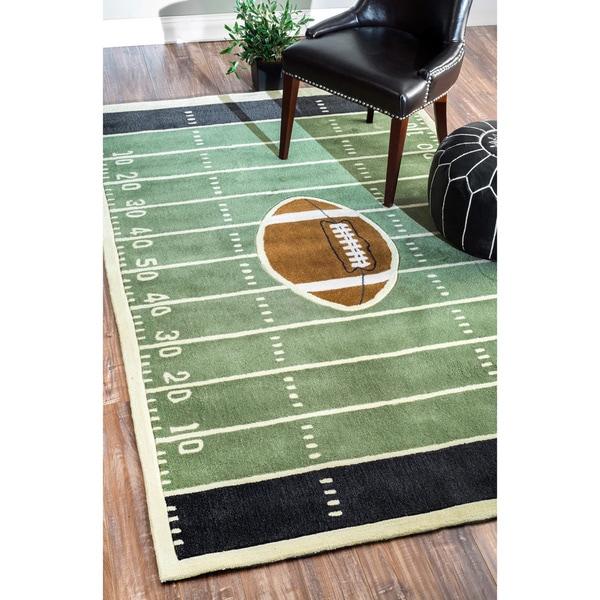 Shaggy Football Rug: NuLOOM Handmade Football Field Green Rug (5' X 8