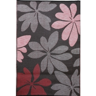 Essence Brown Indoor/ Outdoor Rug (4' x 6')