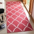 Safavieh Hand-woven Moroccan Dhurries Red/ Ivory Wool Rug (2'6 x 6')