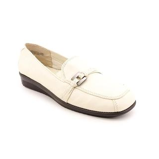 Judtih Women's 'Wander' Ivory Leather Casual Shoes