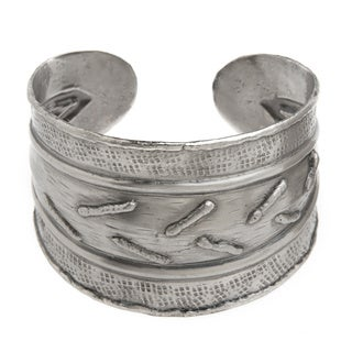 Handmade Abstract Silvertone Stainless Steel Cuff Bracelet (India)