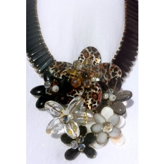 PearlPeri Wire Strung Glass Garden Elegant Bib Necklace