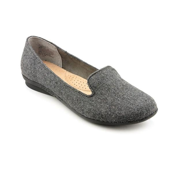 White Mountain Women's 'Howl' Fabric Casual Shoes
