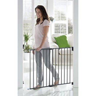 Munchkin The Extender' Extending Child Safety Gate