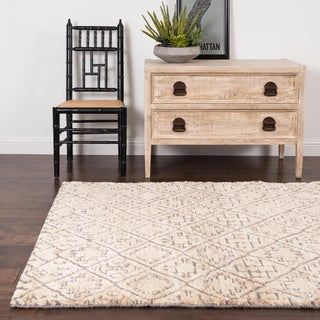 Hand-knotted Phoenix Shell Rug (4'X6')