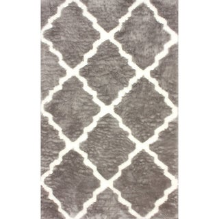 nuLOOM Modern Faux Sheepskin Lattice Trellis Grey Shag Rug (7'6 x 9'6)