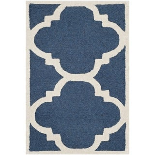 Safavieh Handmade Moroccan Cambridge Navy/ Ivory Wool Accent Rug (2'6'' x 4')