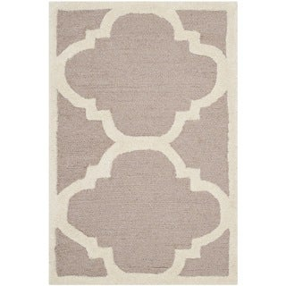 Safavieh Handmade Moroccan Cambridge Rectangular Beige/ Ivory Wool Rug (2'6 x 4')