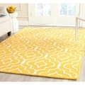 Safavieh Handmade Moroccan Cambridge Gold/ Ivory Wool Area Rug (4' x 6')