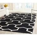 Safavieh Handmade Moroccan Cambridge Black/ Ivory Wool Rug (5' x 8')