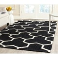 Safavieh Handmade Moroccan Cambridge Geometric Pattern Black/ Ivory Wool Rug (5' x 8')