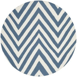 Safavieh Hand-woven Moroccan Reversible Dhurries Blue/ Ivory Wool Rug (4' Round)